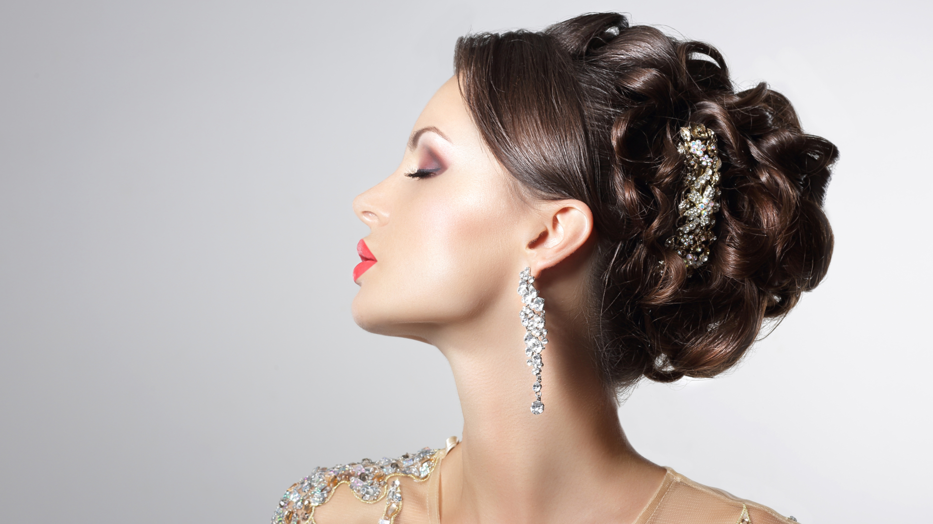 10 Trendy Updo Hairstyles For Your Formal Or Special Event